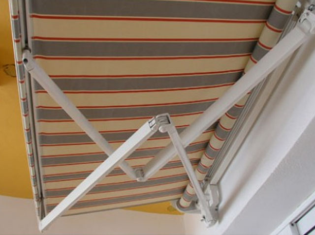 Crossover Arms Awnings